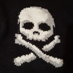 Halloween Skull and Cross bones Sweater sz 6/7 S